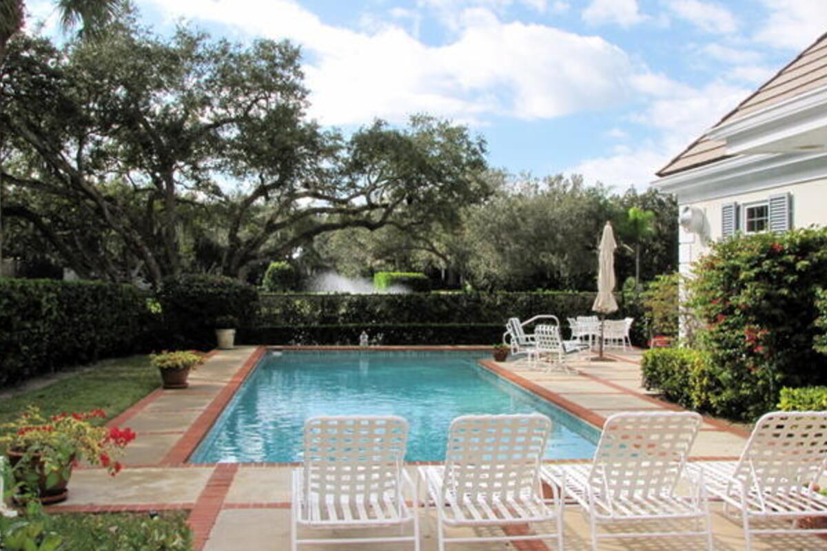 Pool View214
