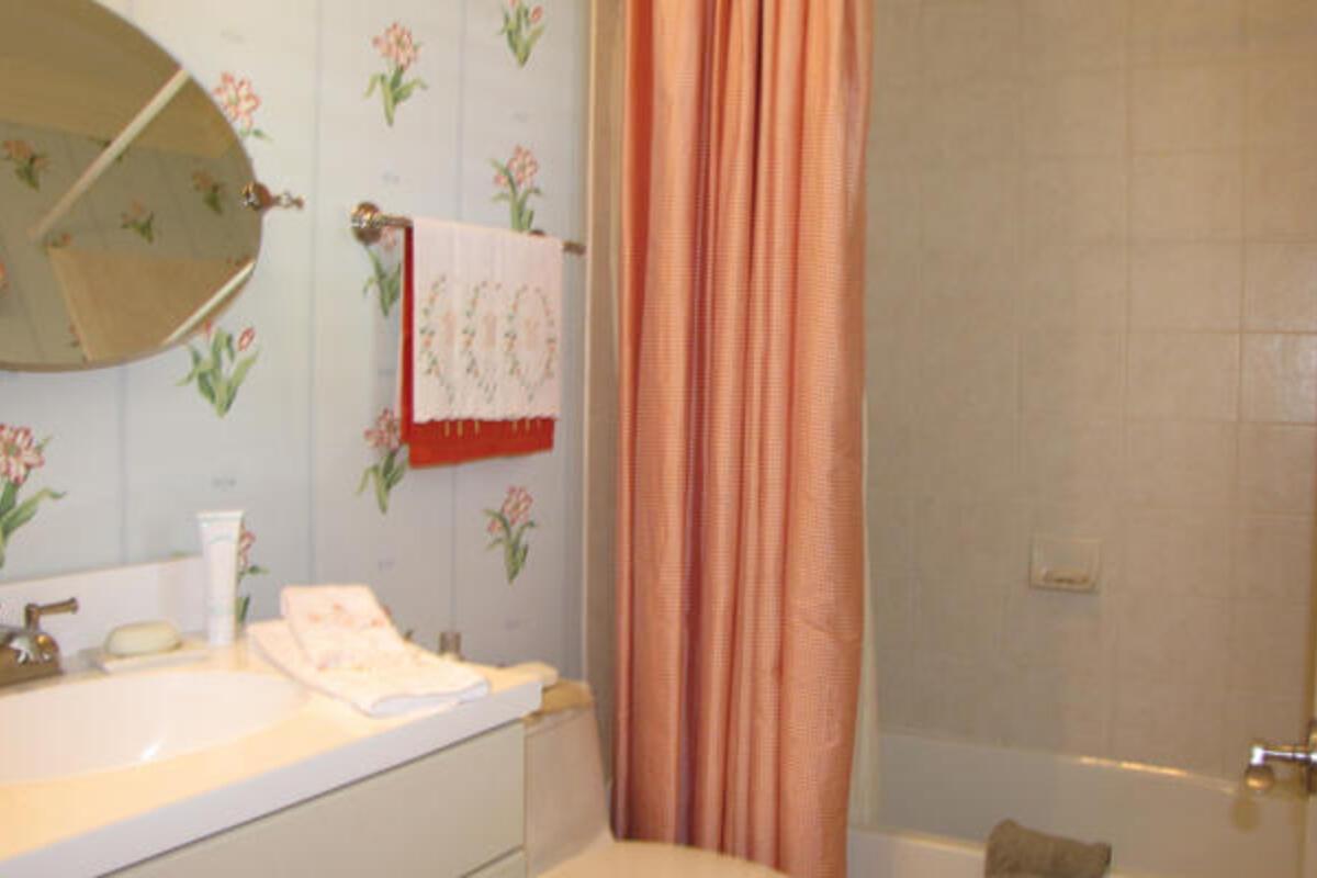 Gst Bed1 Bath101