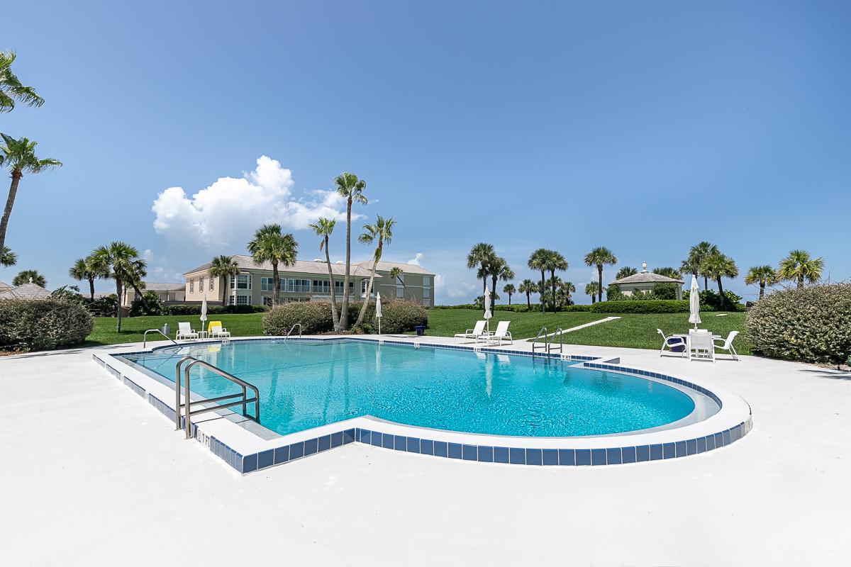 600 650 Beach Pool 1