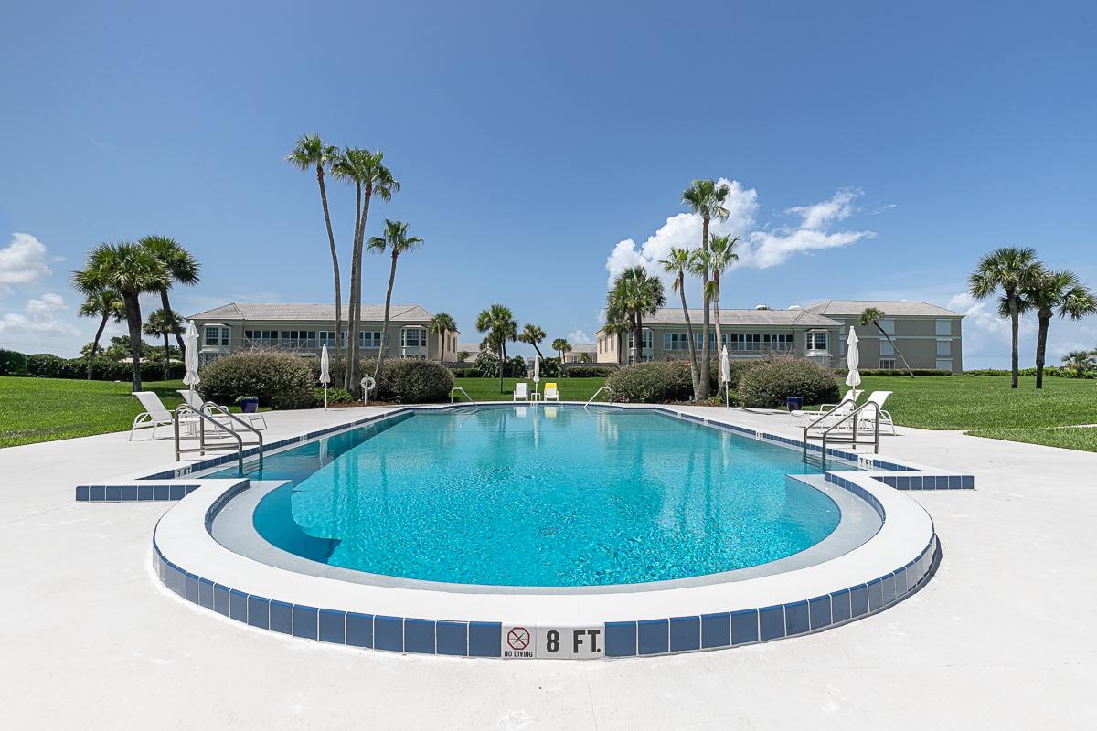600 650 Beach Pool 2