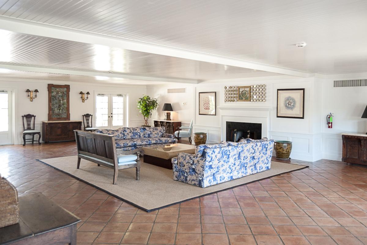 400 Beach Island House Lobb Ysm